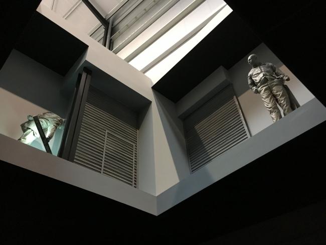 Vista de la instalación de Juan Muñoz