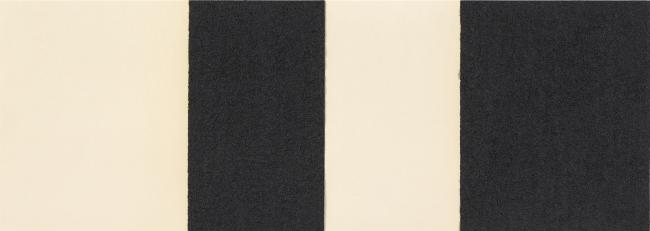 Richard Serra, Horizontal Reversal II, 2017. Barra de óleo aplicado a mano sobre dos hojas de papel, 38 x 107 cm. Edición 50 ejemplares — Cortesía de La Caja Negra Ediciones
