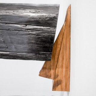 antiago Reyes Villaveces, Horizontal, 2013. Wood and graphite, 470 x 20 x 20 cm. Courtesy MLF | Marie-Laure Fleisch and the artist