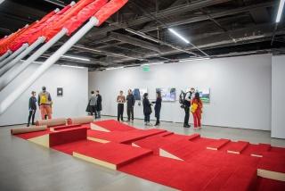 Exposición de Darío Villalba en la Galería Vandrés. Madrid, 1974 — Cortesía de la Comunidad de Madrid