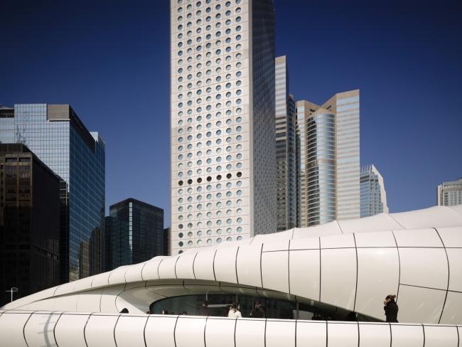 Chanel (Hong Kong) Zaha Hadid. Fotografía de Virgile Simon y Marc Gerritsen