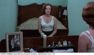 "Chantal Akerman, ""Jeanne Dielman, 23, quai du Comerce, 1080 Bruxelles"". Película, 1975 — Cortesía del Museo Nacional Centro de Arte Reina Sofía"