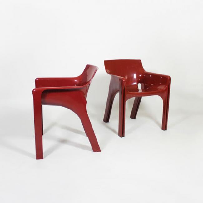 Pareja de sillas Vico Magistretti, años 70 — Cortesía de Tiempos Modernos