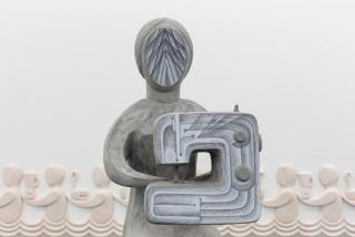 Anna Hula?ová, Woman with a Sewing Machine, 2020 (detail) — Cortesía de Galeria Pedro Cera