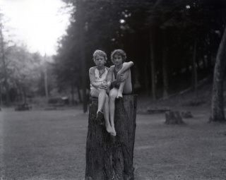Judith Joy Ross Sin título, Eurana Park, Weatherly, Pensilvania, 1982 © Judith Joy Ross, courtesy Galerie Thomas Zander, Cologne