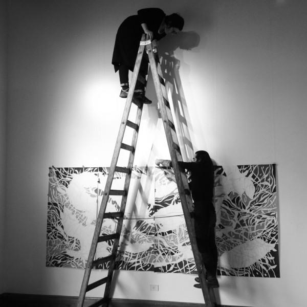 Montaje de la exposición de Marcia de Moraes, artista brasileña en residencia durante el 2013