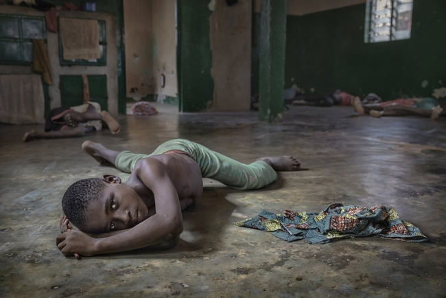 Niños esclavos. La puerta de atrás, 2018, Ana Palacios — Cortesía del Institut d'Estudis Fotogràfics de Catalunya