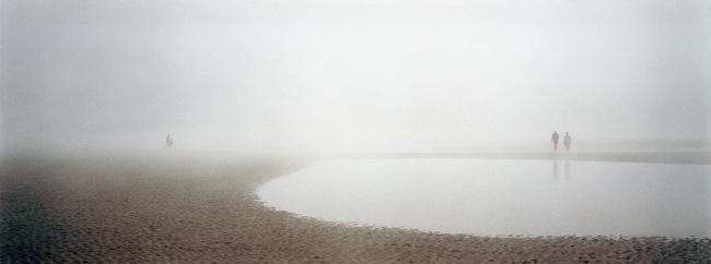 Eduardo Nave. Normandie: les rivages du débarquement © Eduardo Nave, VEGAP, Madrid, 2019 — Cortesía de Tabacalera - Promoción de las Bellas Artes