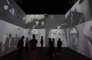 Rafael Lozano-Hemmer (in collaboration with Krzysztof Wodiczko), Zoom Pavilion, 2015