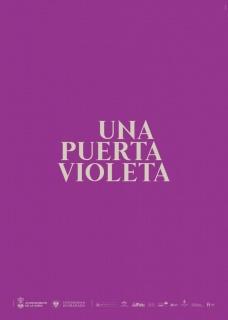 Una puerta violeta