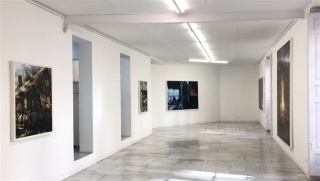 Philipp Fröhlich, Hänsel y Gretel. Vista de la exposición en la Galería Juana de Aizpuru — Cortesía de la Galería Juana de Aizpuru