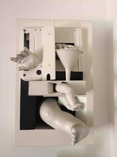 Bernardo Salcedo. Sin título de la serie `Cajas blancas´, Ensamble de objetos. 39,6 x 25 x 11 cm
