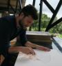El artista Pablo Arrázola, en su estudio en Cota, Cundinamarca, Colombia — Cortesía de Beatriz Esguerra Arte