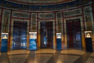 Vista de la exposición del proyecto Mare Mediterraneum en el Teatro Massimo de Palermo durante Manifesta 12. — Cortesía de la galería Senda