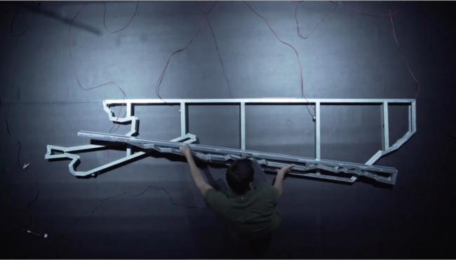 Ricardo Jacinto, MEDUSA (The Abduction of Europa), 2020, video for solo cello, electronics, feedback system and resonating structures, 30´ — Cortesía de Galeria BRUNO MÚRIAS