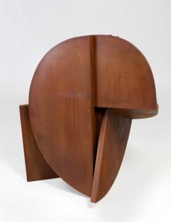 Rafael Canogar, MÁSCARA, 2013, 5/5. Acero corten . 110 x 100 x 100 cm. – Cortesía de Ansorena Galería de Arte