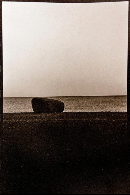 Cholera Tombs (Gotland, 2001). Foto Oskar Ohlson — Cortesía del Institut d'Estudis Fotogràfics de Catalunya (IEFC)
