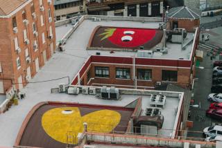 Stool Street Art — Cortesía de Madrid Street Art Project