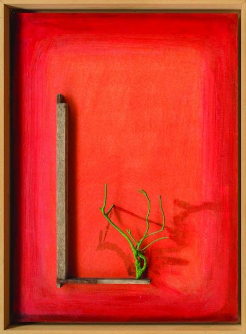 """5-Jon Barredo, """"Verde sobre rojo"""" 59x80, acri?lico y objetos encontrados sobre okume (Foto: Jon Zurimendi)"""