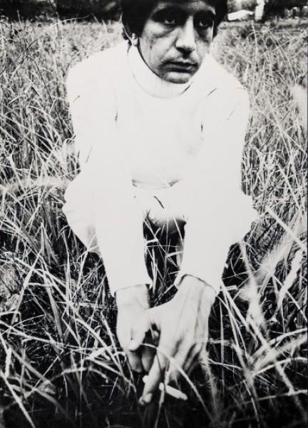 Elías Dolcet del Álamo. Retrato en blanco, 1976 © Elías Dolcet del Álamo