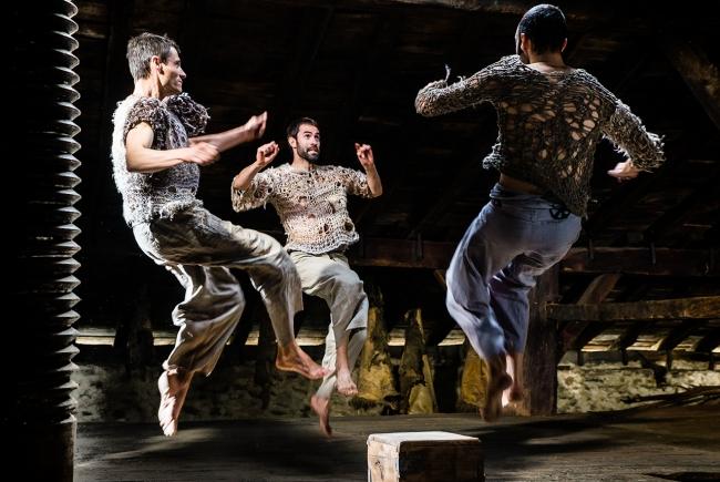 Xabier Artola Zubillaga. Bailando ante las cámaras: una colección de fotos de Dantza — Cortesía de PHOTOMUSEUM. Argazki & Zinema Museoa
