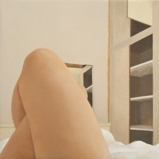 Elena Goñi. Autorretrato con armario, 2018. Óleo sobre lienzo, 50x50 cm. — Cortesía de Utopia Parkway