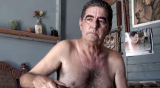 Adrián Melis. The new man and my father, 2015 — Cortesía del artista y del Centre Cultural La Casa Elizalde