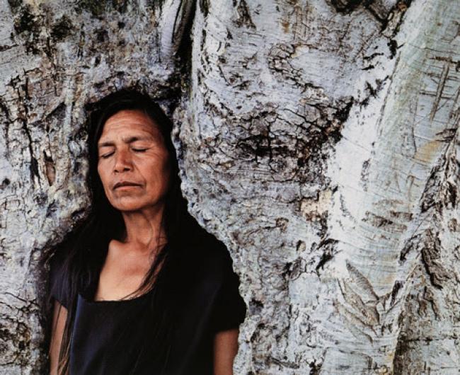 © Shirin Neshat, Tooba, 2002 - Collection Han Nefkens Foundation — Cortesía de Han Nefkens Foundation