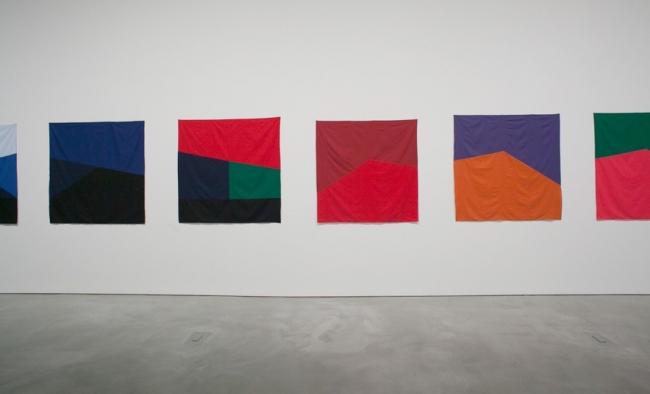 Zinny - Maidagan, Thirteen Studies of Horizon's Line, 2013. Tela. 150 x 150 cm c/u — Cortesía de Henrique Faria Buenos Aires
