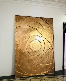 Susy Gómez, Puerta Nº2, 2018. Result of the action of forging in iron a hologram of sacred geometry. 300 x 200 cm. — Cortesía de la Galería Horrach Moya