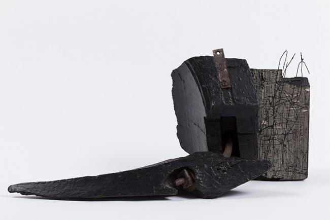 Jesús Rafael Soto, Sin título (Sans titre), 1962. Pintura sobre madera y metal, 32x67x27 cm. Colección particular © Jesús Rafael Soto, ADAGP, Paris / VEGAP, Bilbao, 2019 — Cortesía del Museo Guggenheim Bilbao