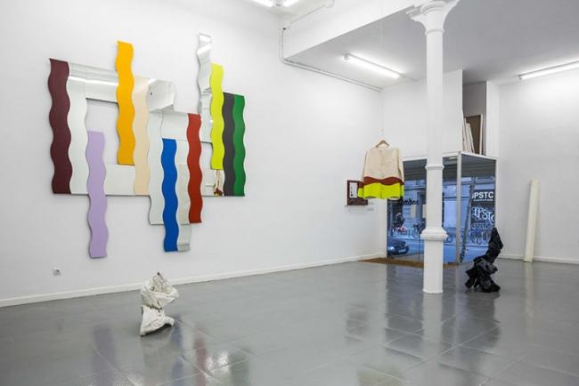 Vista de la exposición – Cortesía de  Bombon Projects