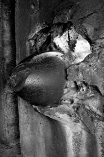 Detail of Métal Hurlant, 2019. Photogrammetry study of an 1872 ballistics test on ironclad armour. Photo: Alexandre Estrela, 2019. Cortesía Travesí Cuatro