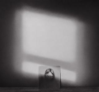 Irene González, Recuerdo. 2018. 76 x 82 cm Conté sobre papel — Cortesía de la Galería Silvestre