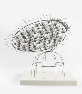 Gu?nter Haese, Roi Soleil II, 1964. Latón y bronce fosforado — Cortesía de la Galería Elvira González