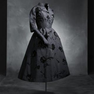 Carbón y Terciopelo. Miradas de Ortiz Echagüe y Balenciaga sobre el traje popular