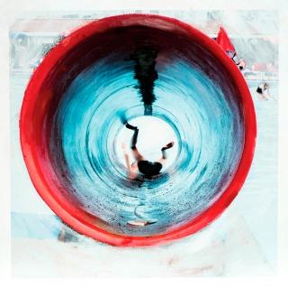 Eva Blanch, SERIE TOBOGAN ROJO #1 Caída, 2019. 60 x 60 cm. Fotografía intervenida montada en madera. Impresión en papel Hahnemühle (200gr.) y pintura acrílica — Cortesía de N2 Galería
