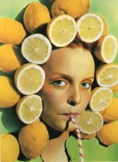 Ouka Leele Peluquería, 1979. Cibachrome, 25 x 18 cm. — Cortesía de la galería BAT Alberto Cornejo