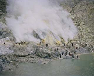 Kawah Ijen Volcano, Biau (Jawa Timur), Indonesia, 2016 © Armin Linke — Cortesía de la Fundació Sorigué