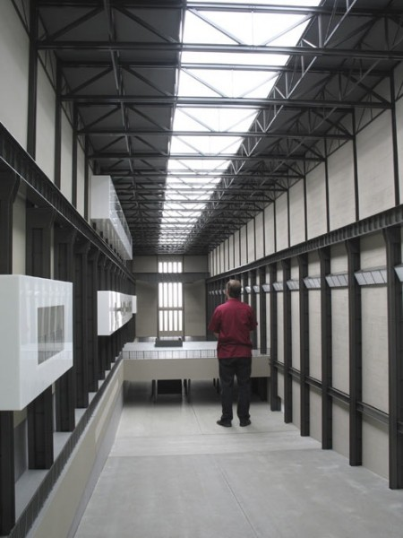 Roman Ondák It Will All Turnout Right in the End, 2005–6 (instalación en Tate Modern). Cortesía de la Tate Modern