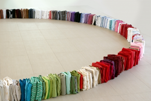 #BestSeller #HorrorVacui, ropa, 26 x 600 O cm, 2014 Juan Carlos Rosa Casasola