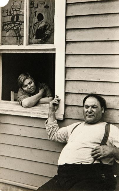 Walker Evans, Ossining (People in Summer, NY State Town), 1931 © Walker Evans Archive, The Metropolitan Museum of Art — Cortesía de la Fundación Foto Colectania