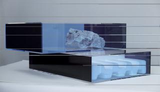 Jorge Pedro Núñez. »Suiseki (leyes del universo)«, 2020 Juan Iribarren. »Sin título«, 2016 — Cortesía de Carmen Araujo Arte