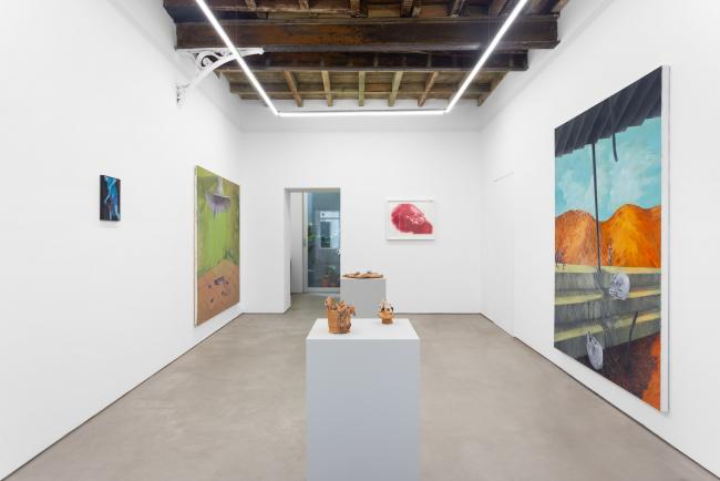 Vista de la exposición «Sul Disegno e La Pittura (Ne Usciremo)» — Cortesía de Madragoa