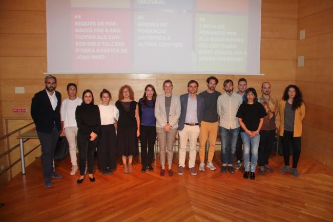 Imagen de las autoridades y los galardonados — Cortesía de Miró Mallorca Fundació