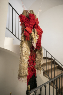 Josep Grau-Garriga. Rojos — Cortesía del Centre Grau-Garriga de Arte Textil Contemporáneo