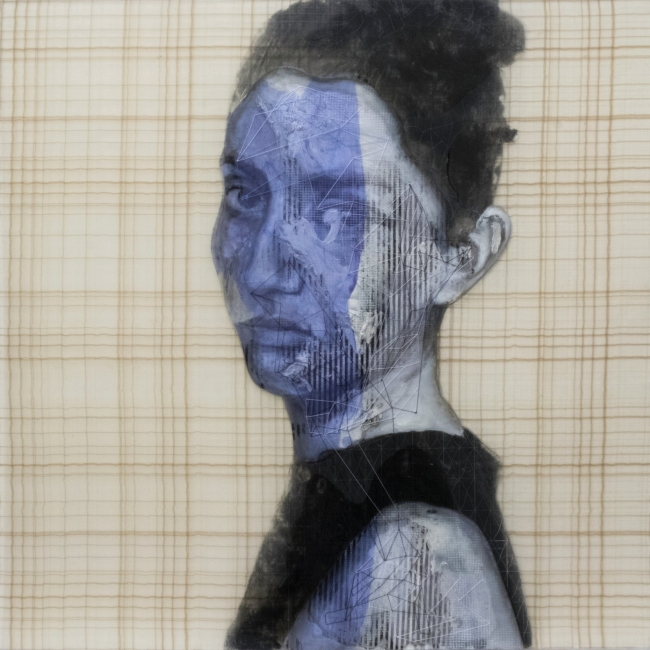Rogelio Manzo, Daniela X, 16x16 Oil and mixed media on resin 2019 — Cortesía de janinebeangallery