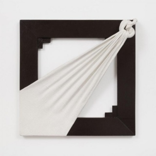 Jorge Eielson, Quipus bianco-nero, 1974, acrylic and burlap on board, 20.47 x 20.08 x 4.33 inches (52 x 51 x 11 cm). Photo by Pierre Le Hors. Courtesy of Andrea Rosen Gallery, New York