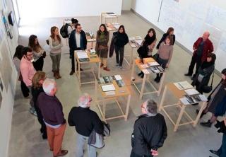 La recerca i la curiositat en el procés curatorial. Fase teòrica i taller pràctic