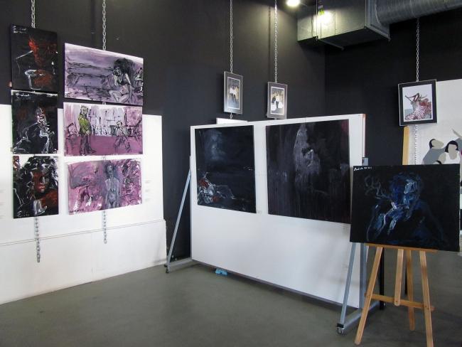 Vista del espacio dedicado a las Pinturas Neo-Noir de Fernando Rodríguez Salas